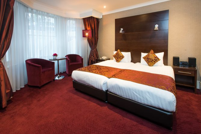 Grand Deluxe Double Room View at Park City Grand Plaza Kensington Hotel-1