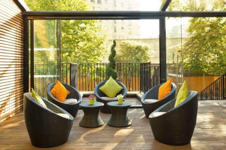 Garden cafe/lounge(3) at Park City Grand Plaza Kensington Hotel