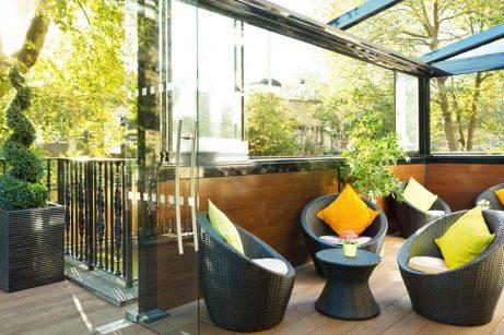 Garden cafe/lounge(4) at Park City Grand Plaza Kensington